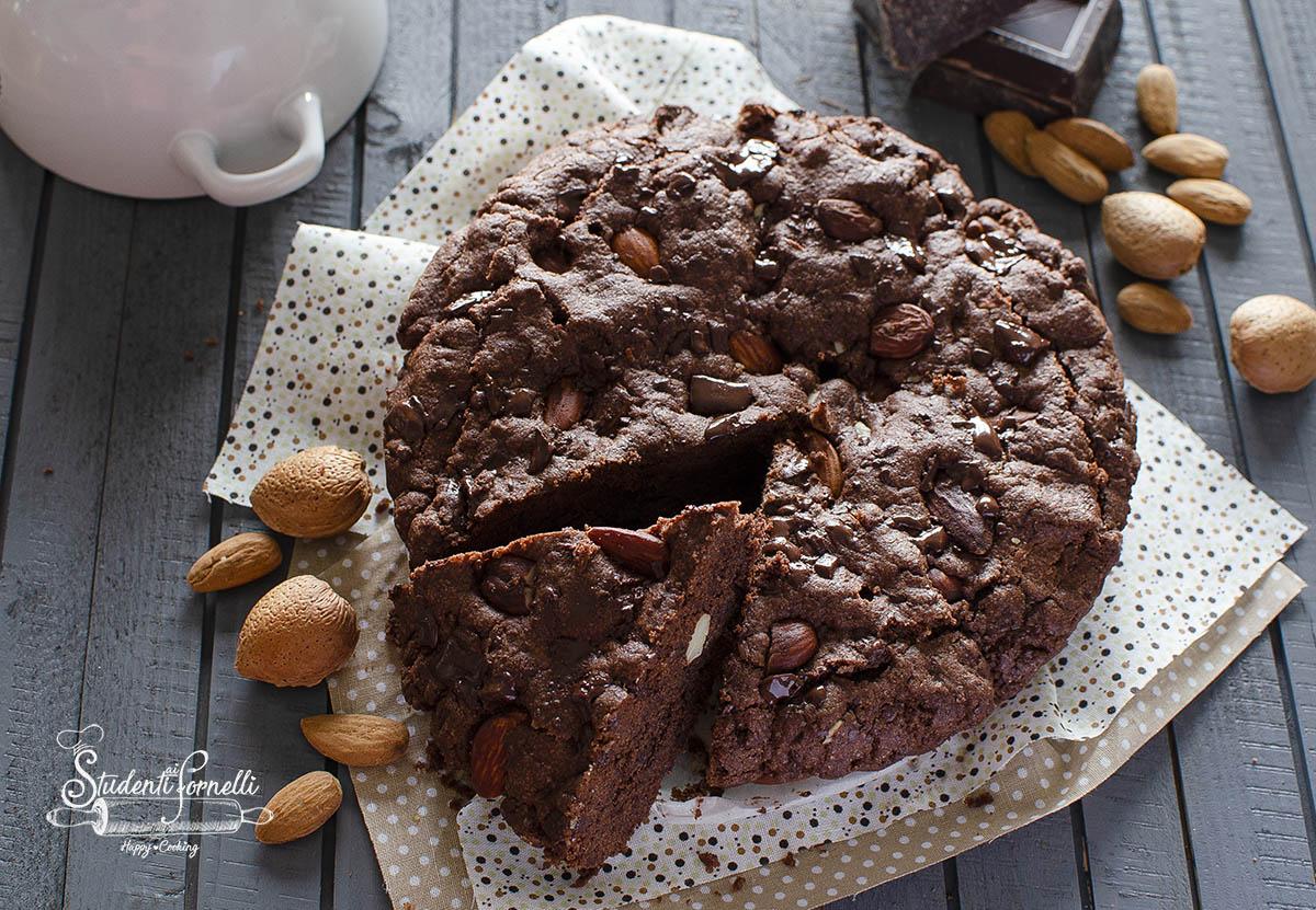 torta biscotto morbida cioccolato e mandorle ricetta cookie
