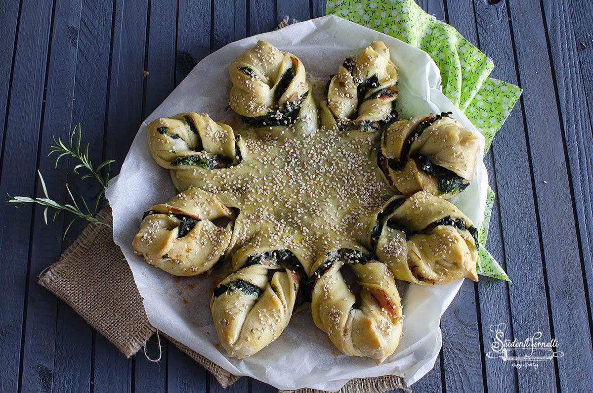 Fiori Salati Giallo Zafferano.Torta Salata Spinaci E Prosciutto A Forma Di Fiore Velocissimo