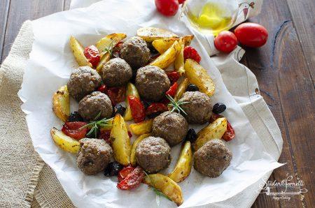 polpette e patate alla mediterranea in friggitrice ad aria ricetta secondo