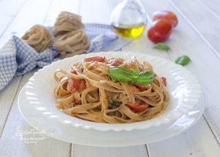 ricetta pasta con stracchino e pomodorini ricetta primo piatto cremoso