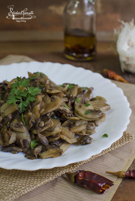 ricetta funghi trifolati in padella ricetta contorno antipasto