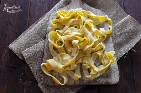 tagliatelle fatte in casa tagliatelle all'uovo ricetta pasta fresca fatta in casa