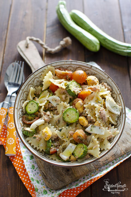 pasta fredda tonno e uova sode zucchine pomodorini ricetta primo piatto