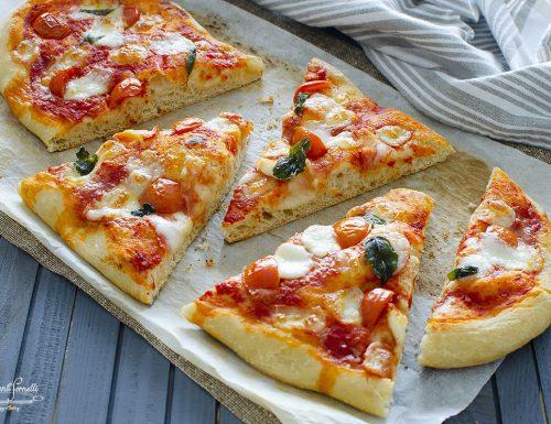LINGUE DI PIZZA POMODORO E MOZZARELLA