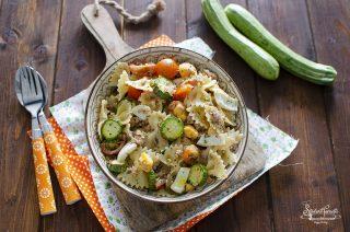 pasta fredda con tonno e uova sode zucchine pomodorini ricetta primo piatto