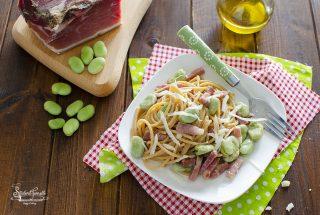 ricetta spaghetti fave e speck formaggio ricetta primo piatto pasta con fave e speck pasta con le fave fresche