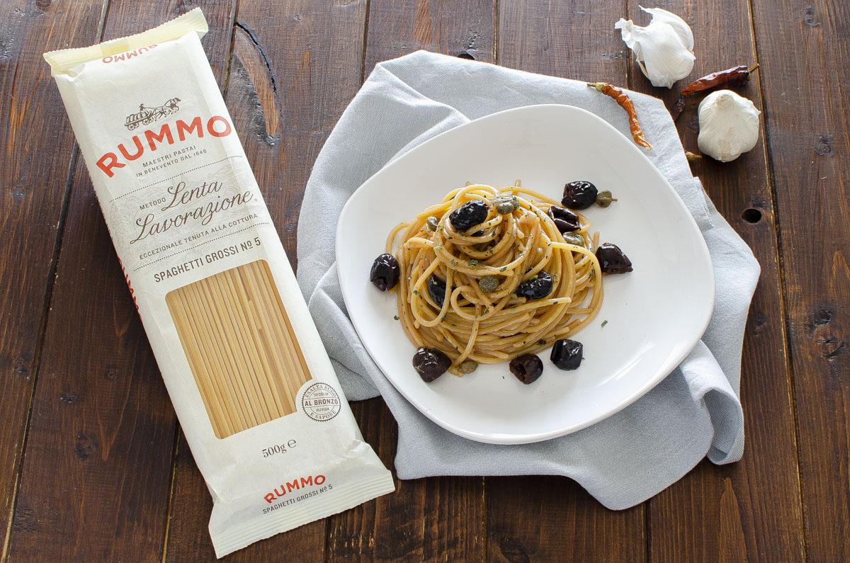 spaghetti risottati olive e capperi_4