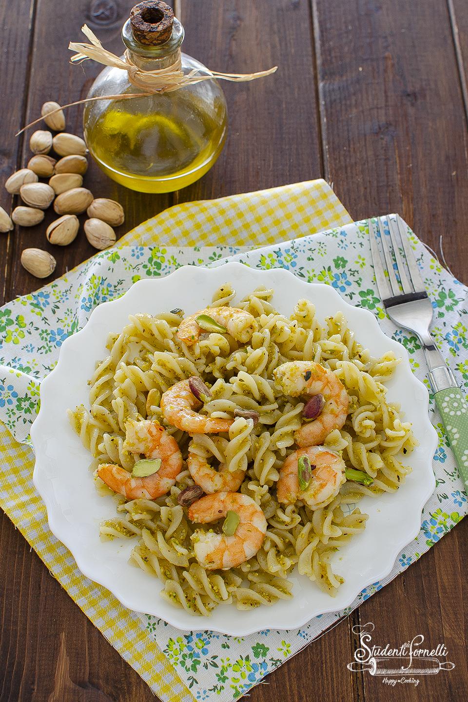ricetta pasta gamberi e pesto di pistacchi ricetta primo piatto