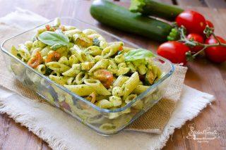 2020 pasta con pesto e zucchine mozzarella ricetta pasta fredda estiva