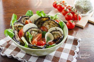 2020 ricetta insalata di melanzane grigliate con formaggio e pomodorini