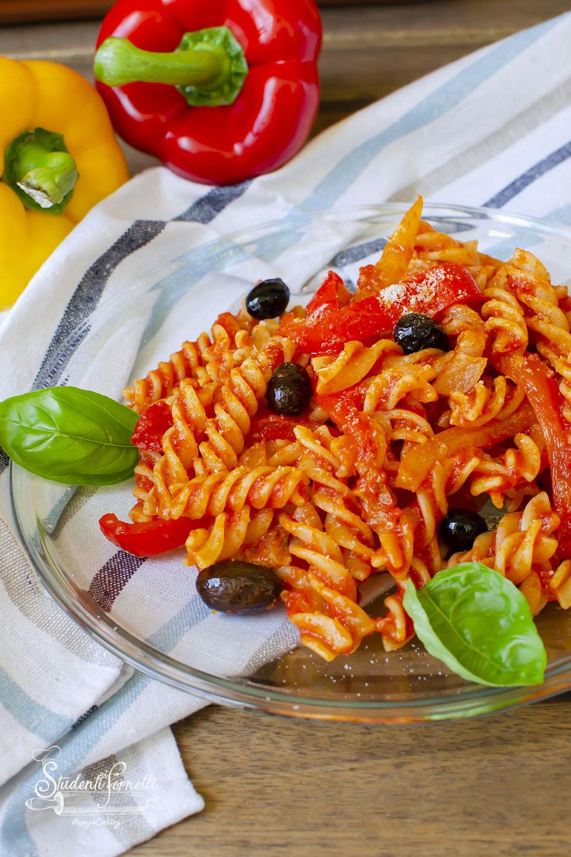 2020 ricetta pasta peperoni e pancetta ricetta primo con sugo di peperoni