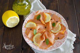 carpaccio di salmone affumicato o fresco ricetta antipasto mare pesce