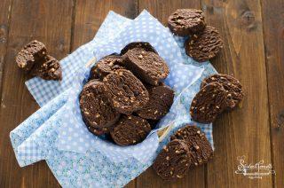 ricetta biscotti al cioccolato senza uova