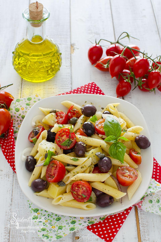 ricetta pasta fredda alla pantesca ricetta pomodorini olive capperi primo estivo