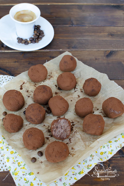 ricetta tartufini tiramisù caffè e mascarpone ricetta tartufi dolci senza cottura uova