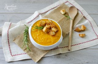 2020 vellutata di carote leggera ricetta primo piatto vegetariano