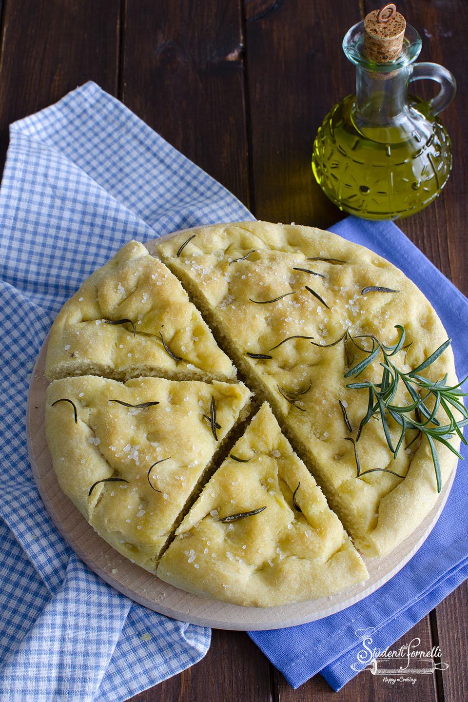 ricetta focaccia di patate al rosmarino ricetta focaccia con patate nell'impasto