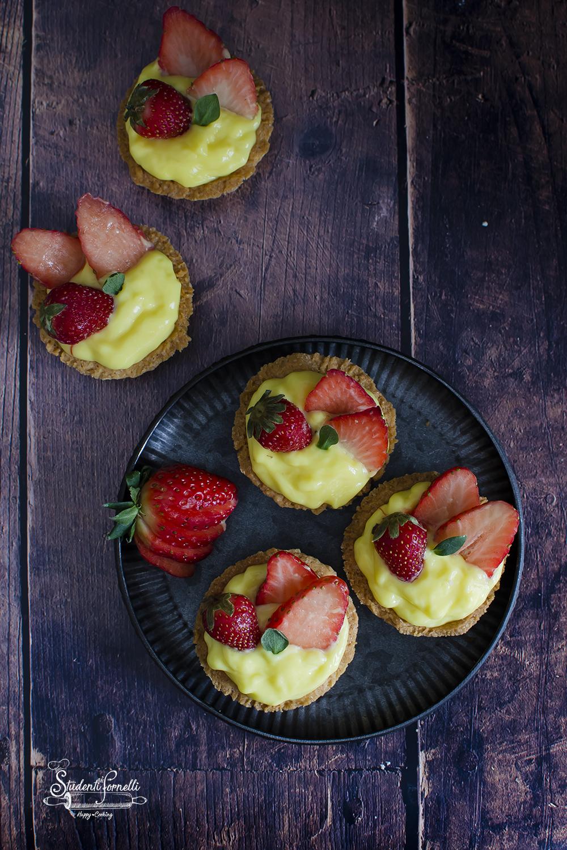 ANT FB crostatine di fragole e crema ricetta