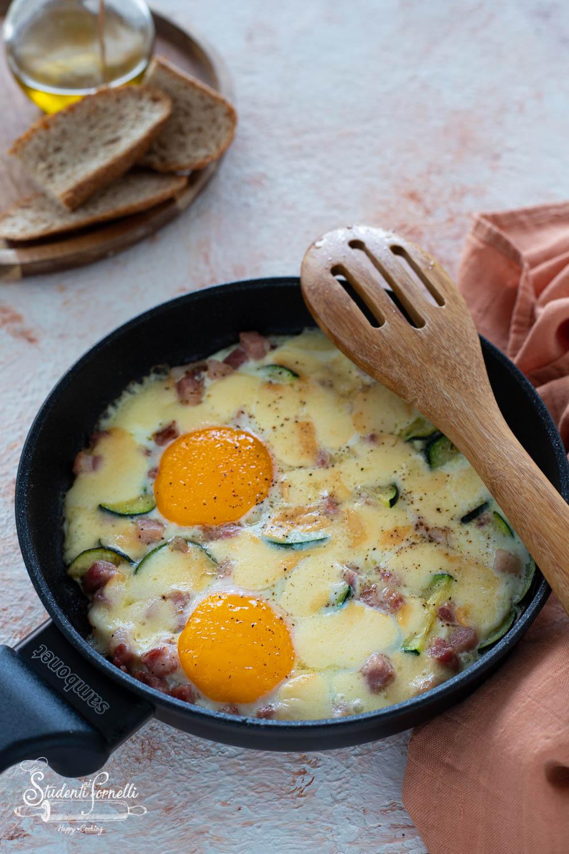 uova in padella zucchine e pancetta ricetta-8086