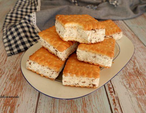 Biscotti gelato fatti in casa senza uova e gelatiera