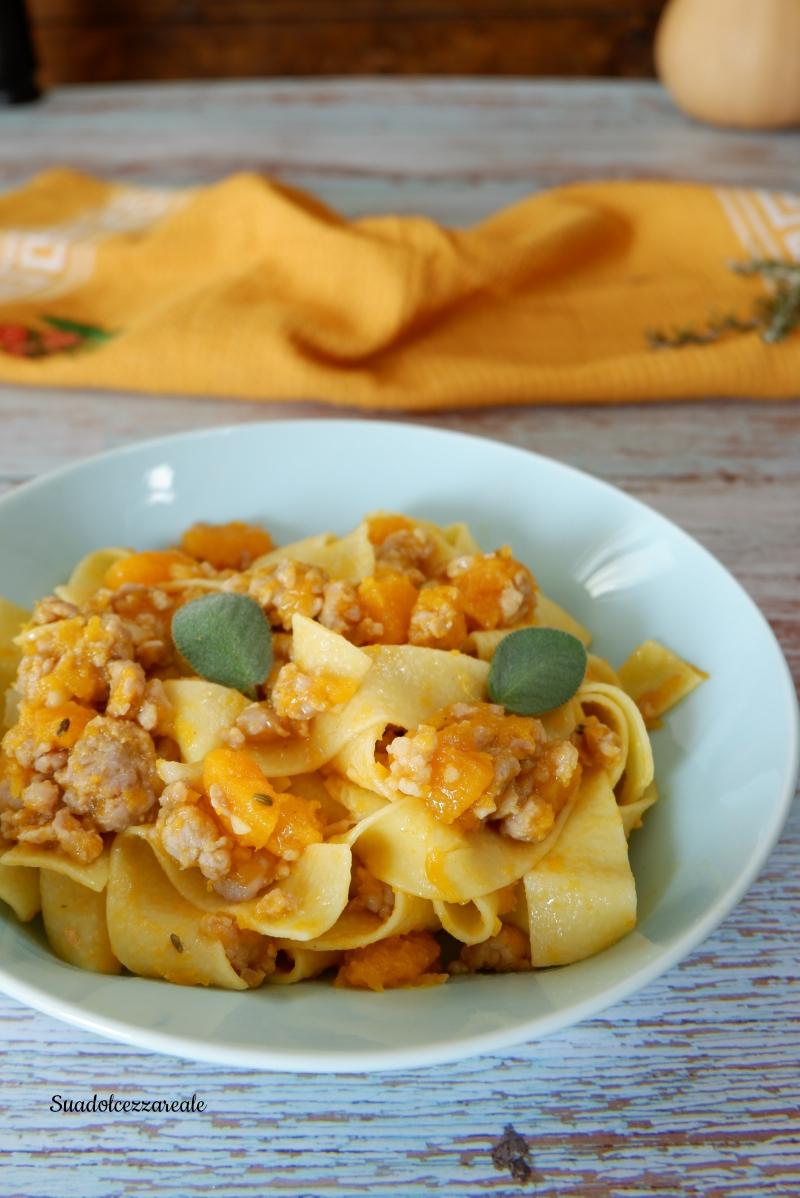 come fare la pasta con zucca e salsiccia