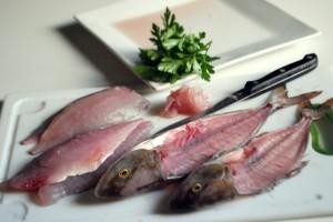 Pesce Serra al forno e con gli scarti la marinata