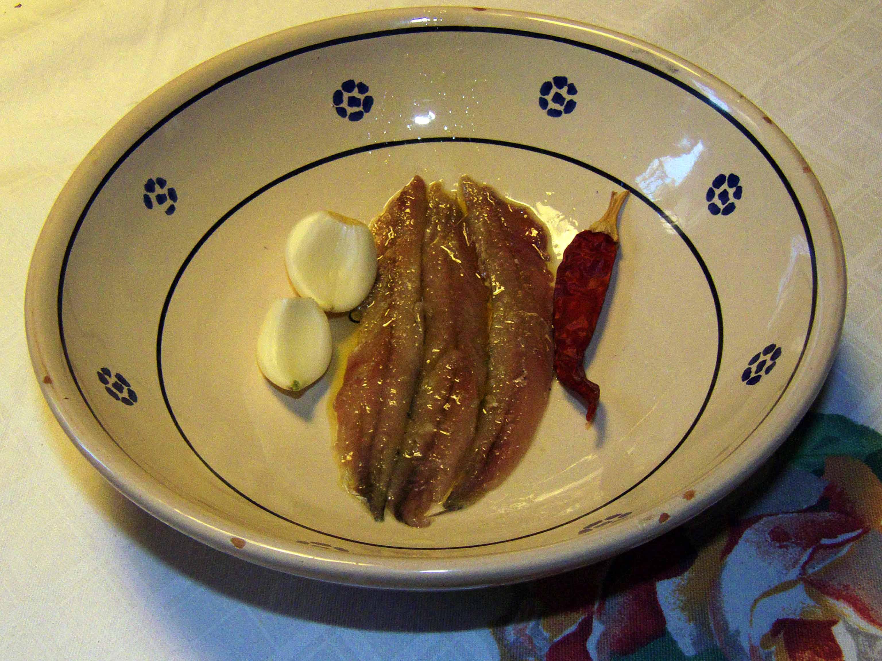Alici o acciughe salate sud italia in cucina - Bagna cauda vegana ...