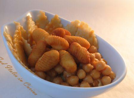 Pasta e Ceci con Gnocchi di Patate