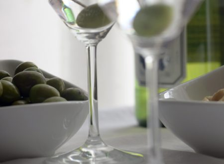 Olive Verdi conservate in Salamoia