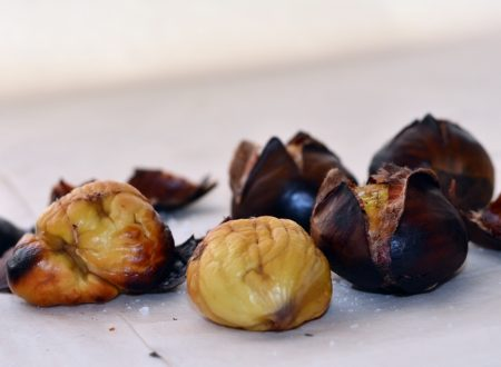 Castagne arrostite sul fornello a gas