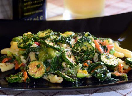 Pasta e Talli di Zucchina con Pesto