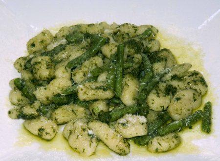 Gnocchi di Patate con Pesto alla Genovese