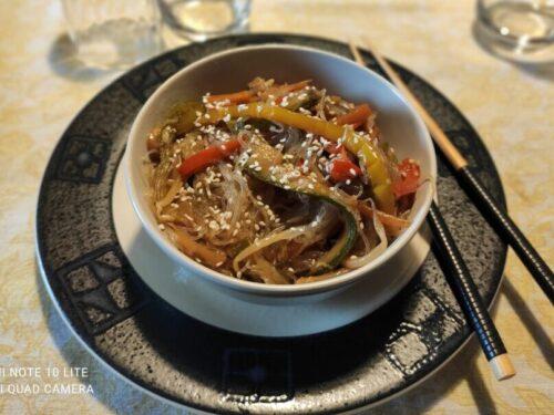 Spaghetti di Soia Vegani con Verdure di Stagione