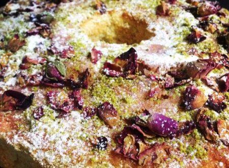 Chiffon cake al thè nero con glassa alla rosa