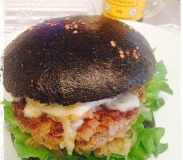 Hamburger nero di cinghiale con bacon croccante (homemade with Love)