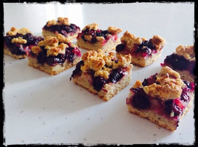 Crumble ai mirtilli (Blueberry Crumble Bars)