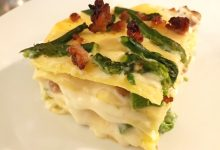 Lasagne bianche con asparagi salsiccia e stracchino