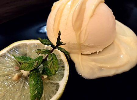 Bavarese al limone con cioccolato bianco