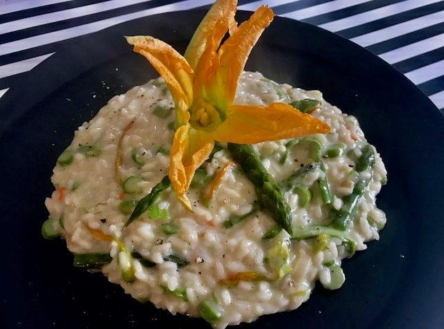 Risotto asparagi fontina e fiori di zucca