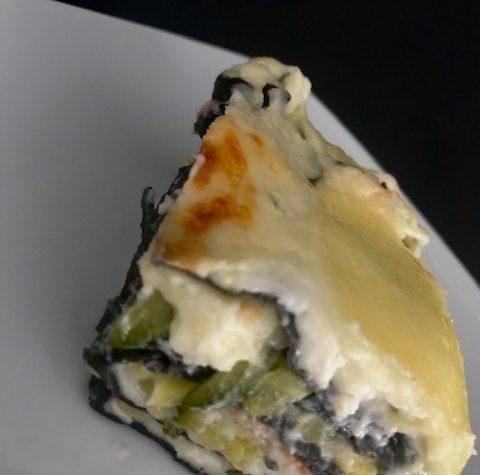 Lasagne al nero di seppia con salmone e zucchine