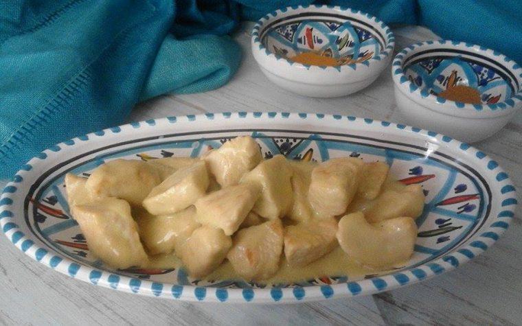 POLLO AL LATTE DI COCCO E CURRY sapore e colore