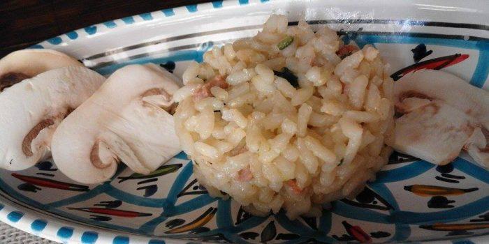 tortino di riso con salsiccia piccante funghi e zucchine