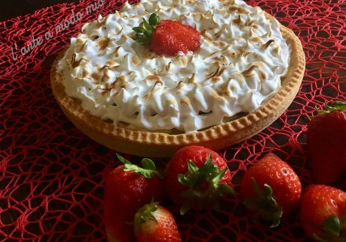 Meringue Strawberries pie