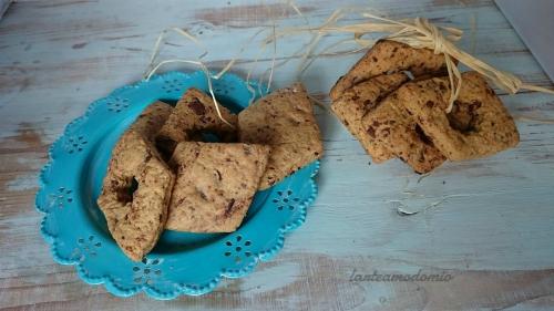 biscotti con burro d'arachide e cioccofondente