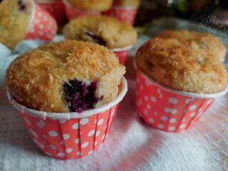 muffin al cocco con mirtilli e mela