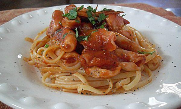 Spaghetti al sugo di calamaro