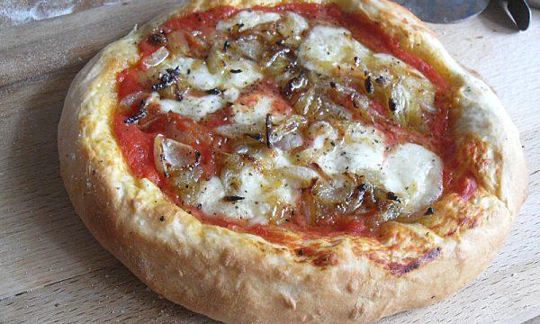 Pizza con Cipolla Fritta