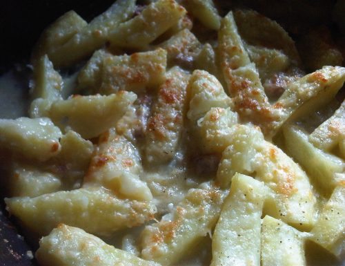 Patate con speck e gorgonzola