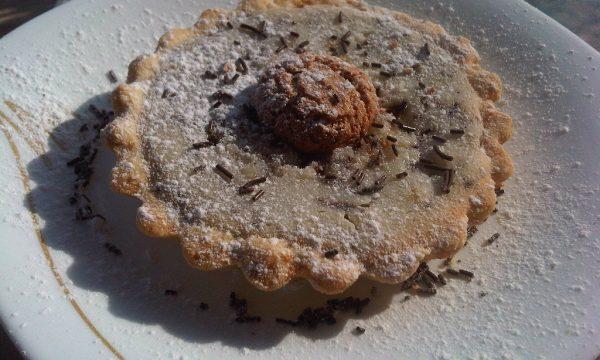 Crostatine di Pasta Frolla con Ricotta e Amaretti