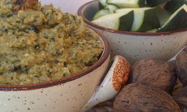 Pesto di Zucchine e Noci ideale per Primi Piatti